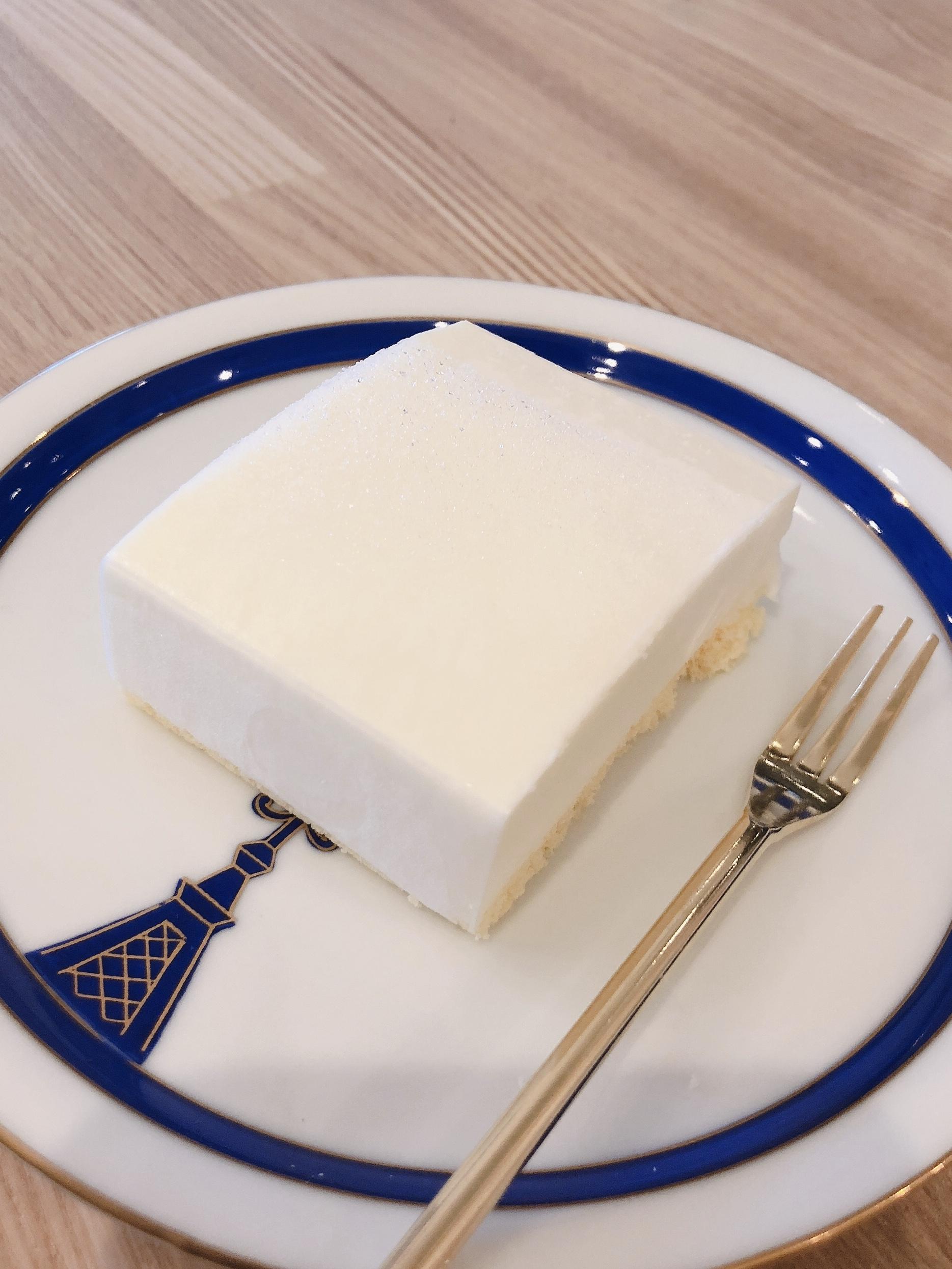 ケーキ(レアチーズ)