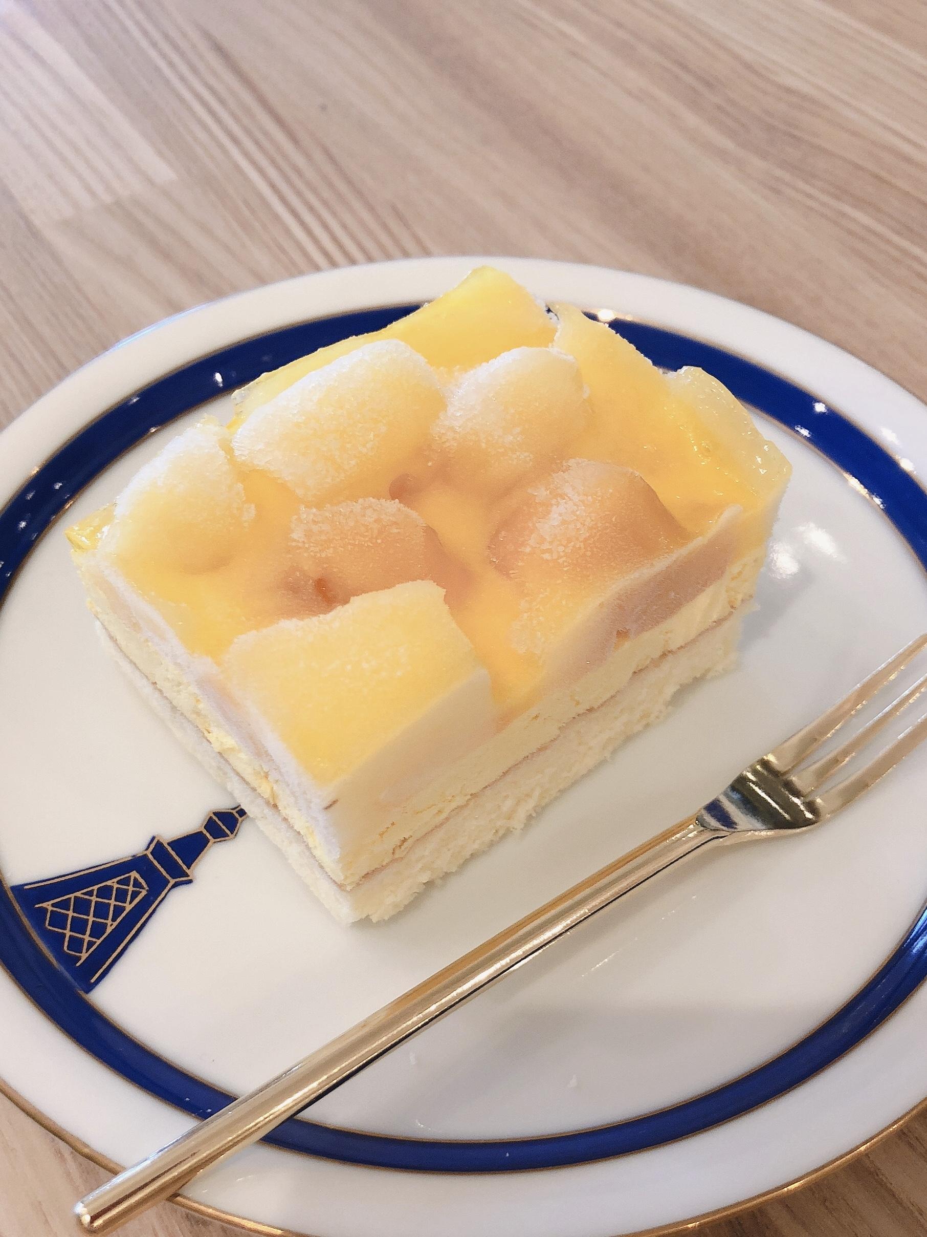 ケーキ(パインマンゴー)